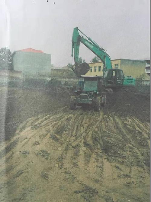 河北宁晋:清理河道垃圾岂能就地掩埋